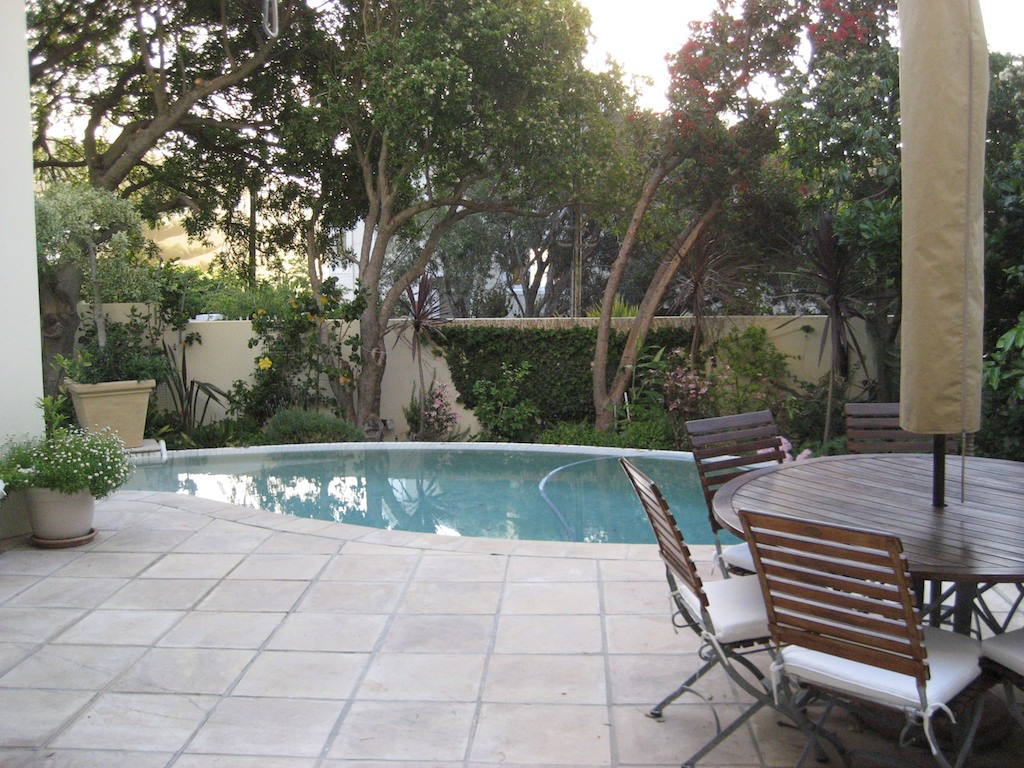 Beachway_Cape_Town_holiday_flat_Pool_1