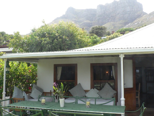 San_Toy_Llandudno_Cape_Town_Beach_Front_Accommodation_Front_porch