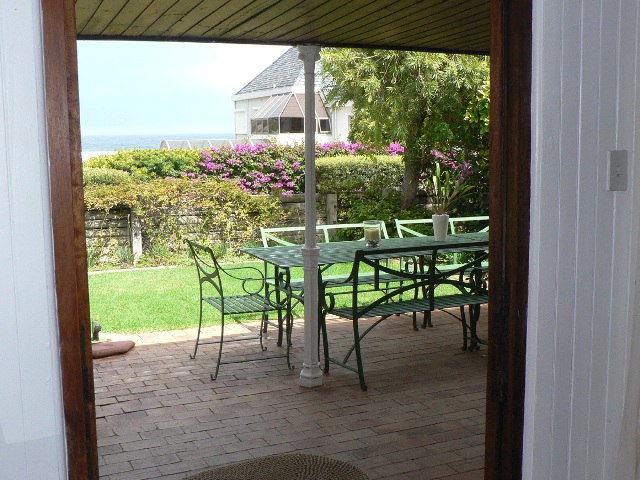 San_Toy_Llandudno_Cape_Town_Sea_view_front_front_porch