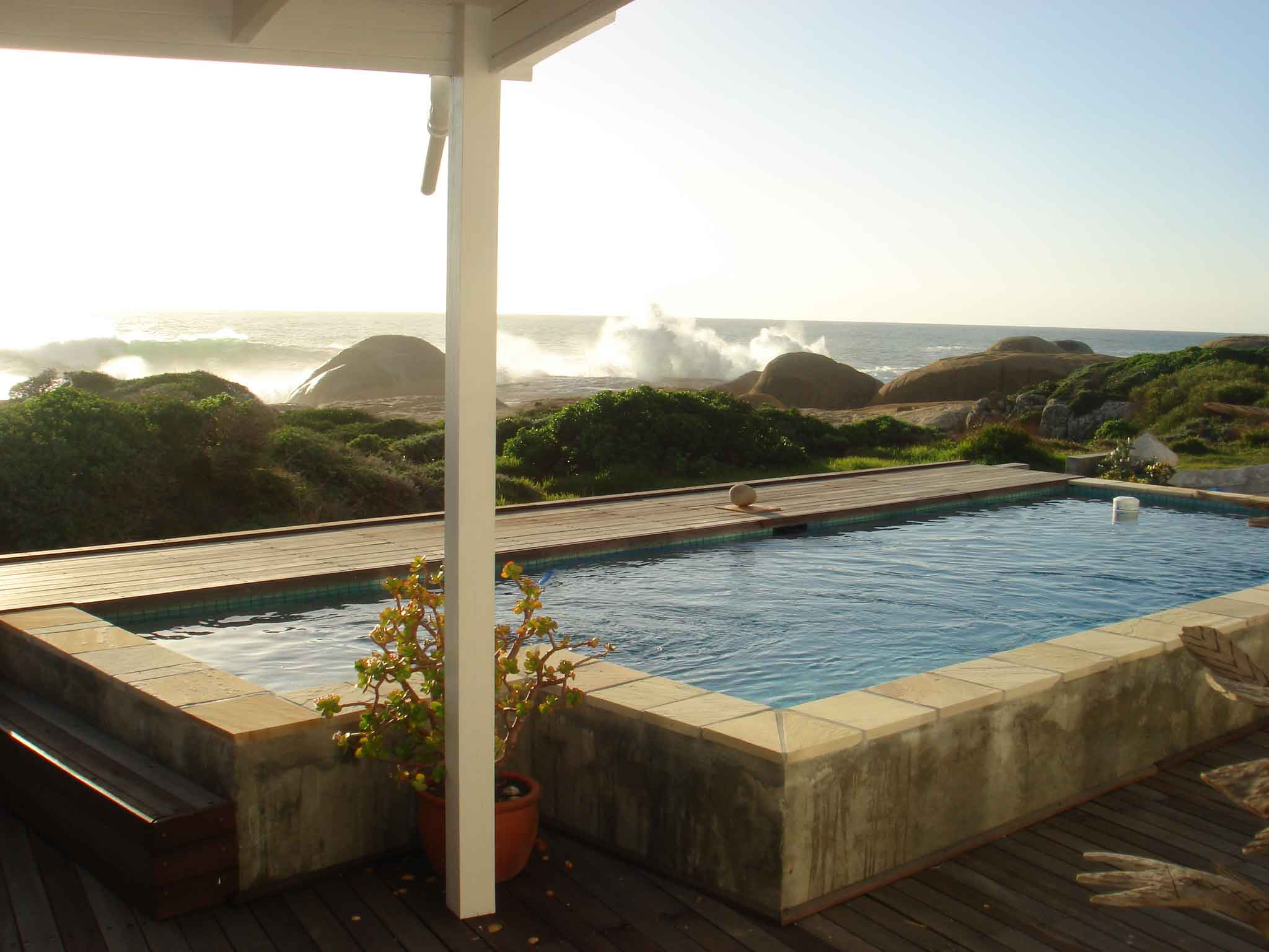 Waters_Edge_Llandudno_Cape_Town_Holiday_Rentals_Pool