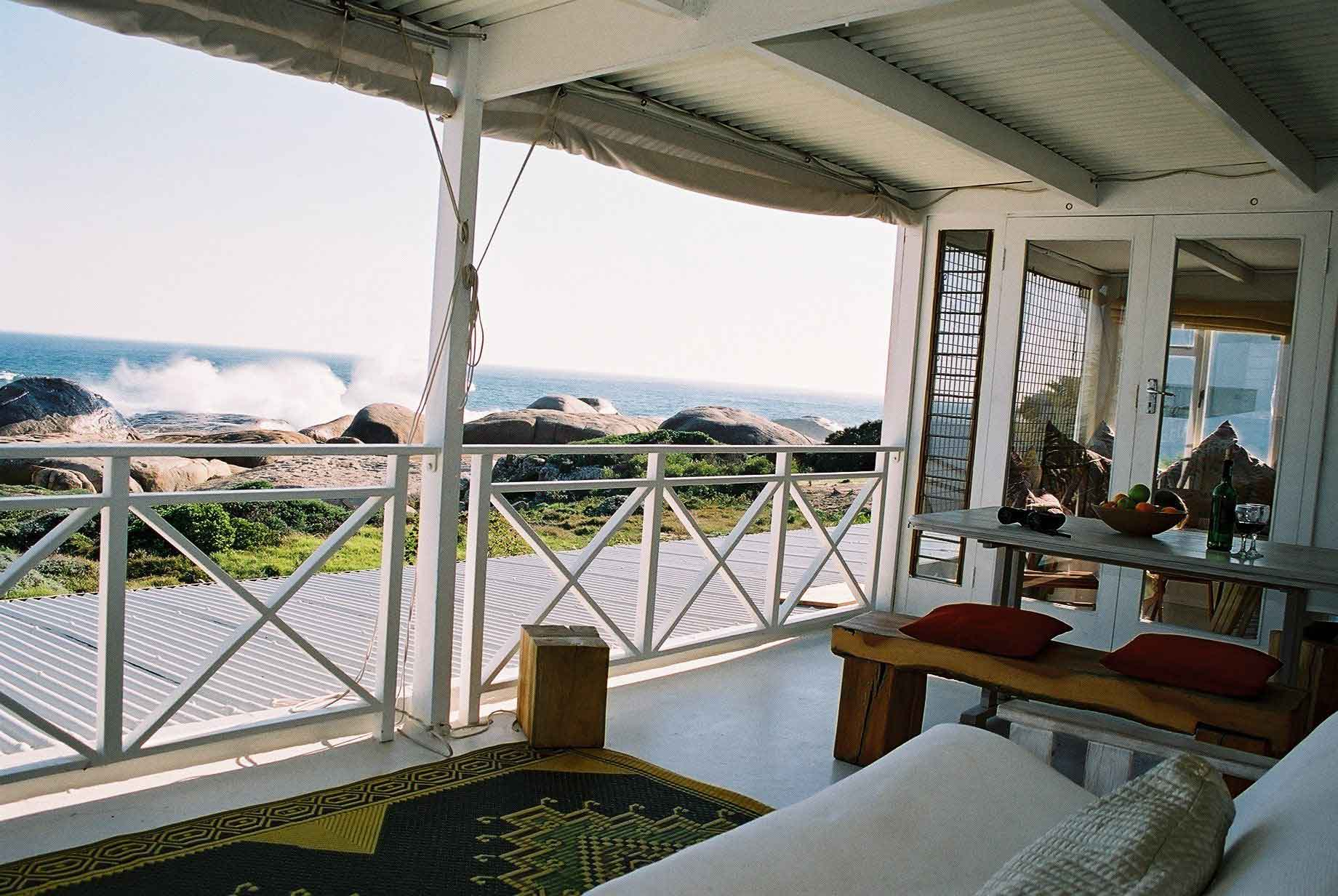 Waters_Edge_llandudno_Cape_Town_Vacation_Rentals_Upper_balcony_2